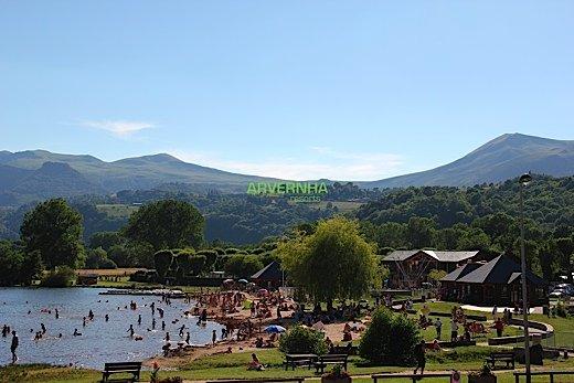 Plage lac Chambon Arvernha Resorts